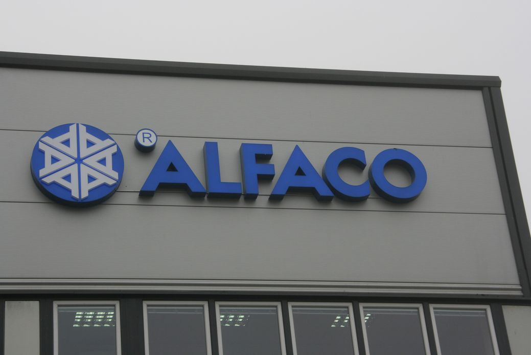 Znak i napis ALFACO